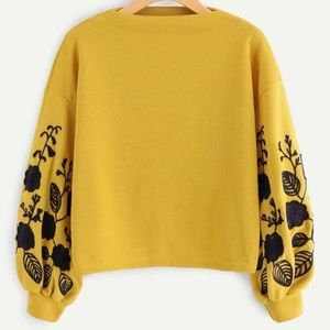 Tops - 🆕🌻Oversized Floral Sweatshirt